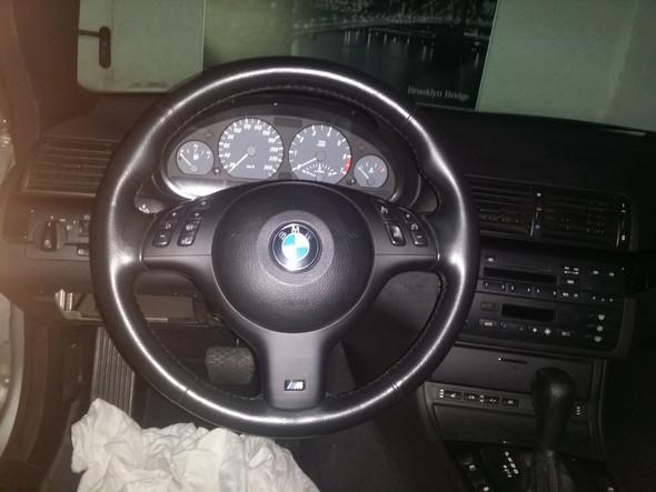 - (Auto, Lenkrad, BMW E46)