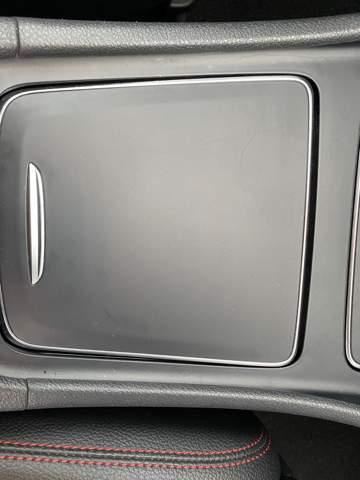 - (Mercedes Benz, Kratzer)
