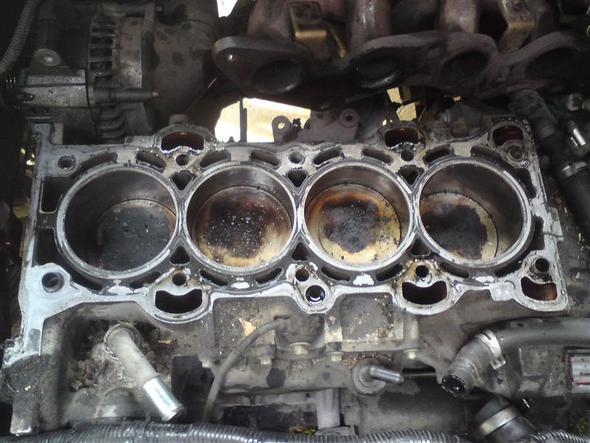 Bild3 - (Motor, Öl, Mondeo)