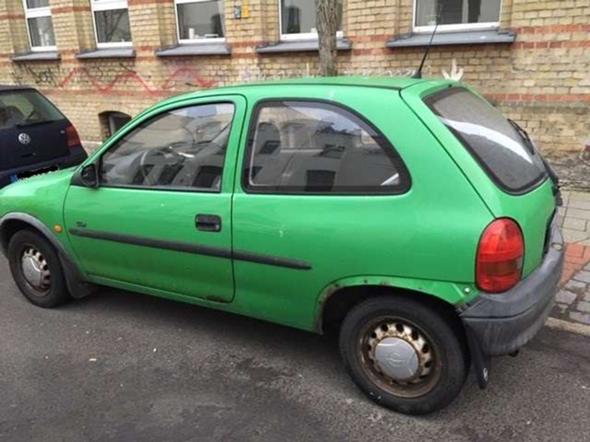 - (Gebrauchtwagen, Verkauf, Opel Corsa)